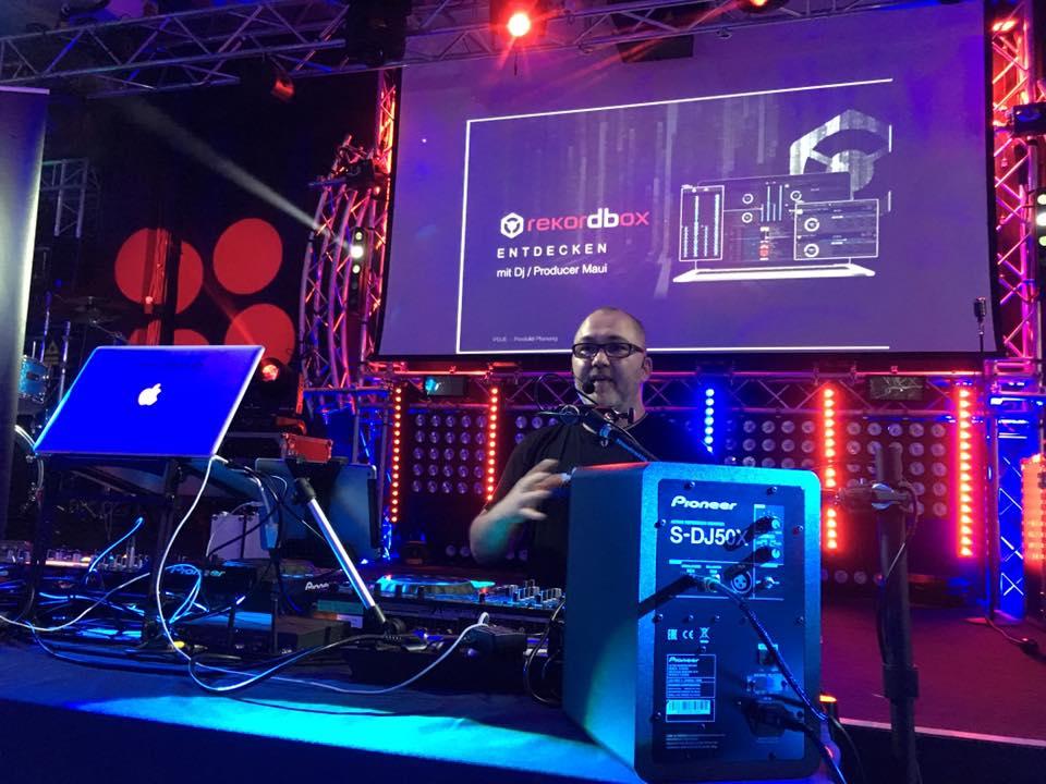 Präsentation der neuen rekordbox dj Software von Pioneer DJ