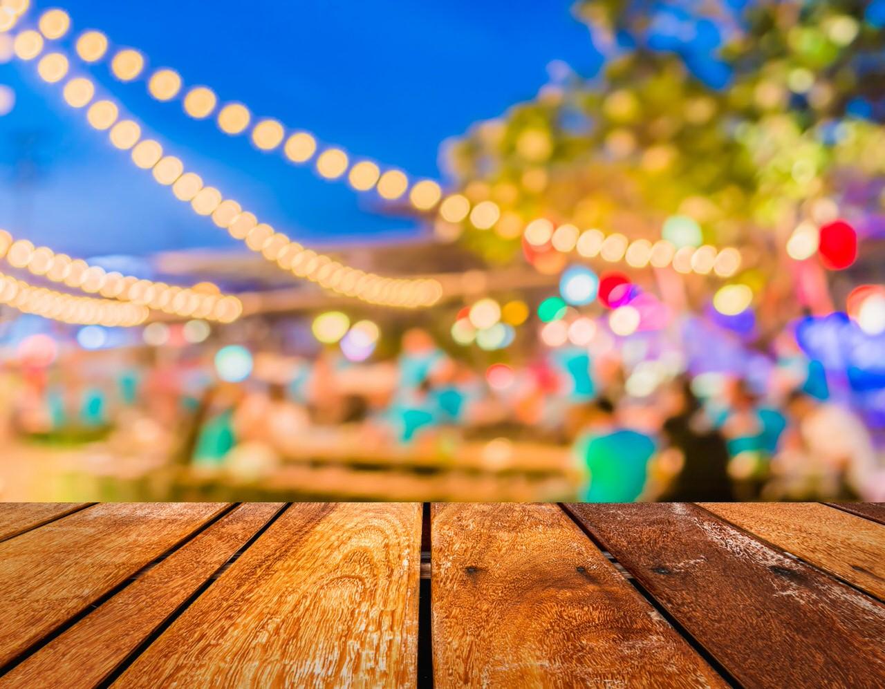 Abendstimmung auf einem Sommerfest