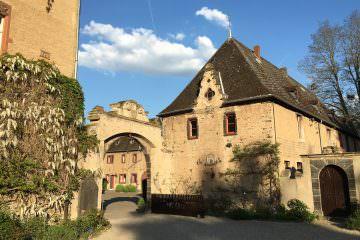 Hochzeit mit Schwung auf Schloss Burg Namedy
