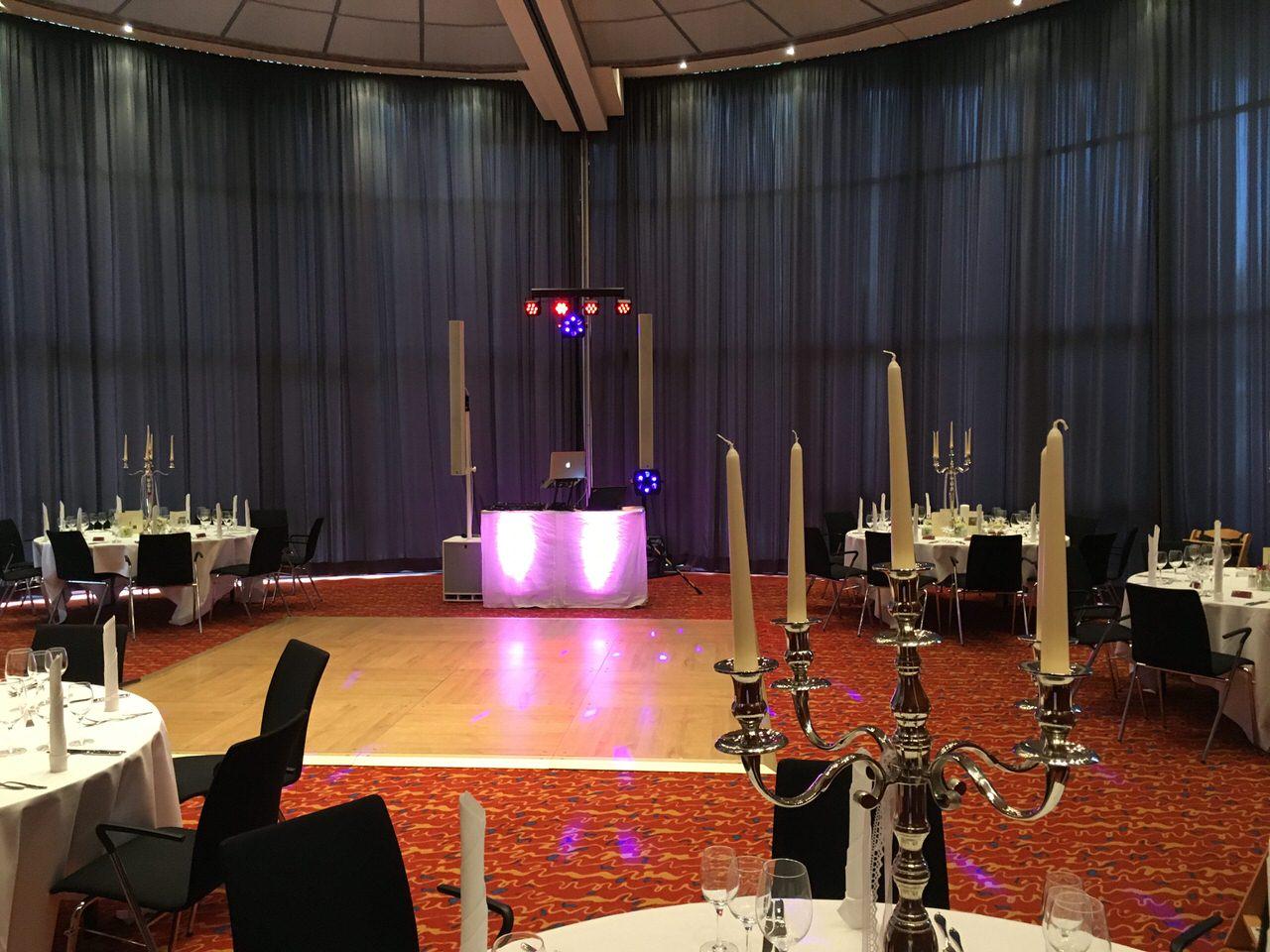 Aufbau der Anlage im Dorint Parkhotel Bad Neuenahr. Foto÷ Andreas Paul / Paul van Groove