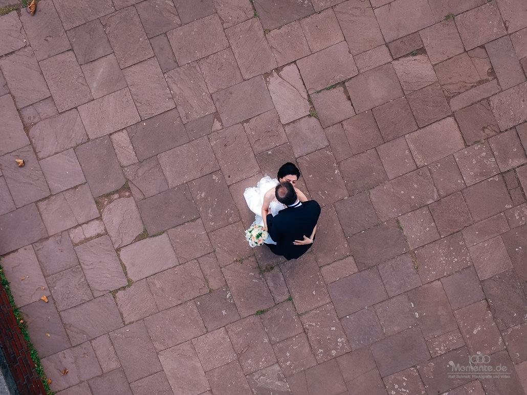 Brautpaar aus der Vogelperspektive
