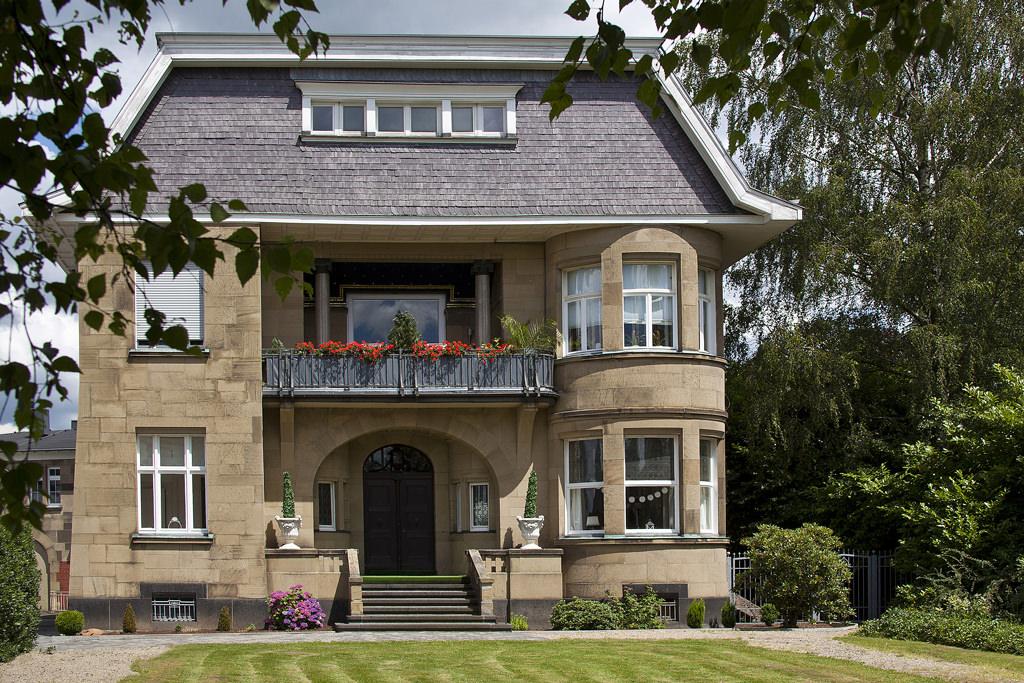 Die vordere Fassade jugendstil-Villa. Foto: Villa Girmes