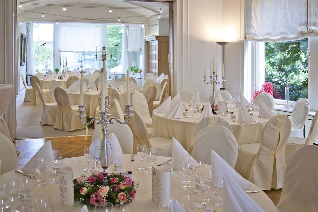 Der große Salon Gartenblick in der Villa. Foto: Villa Girmes
