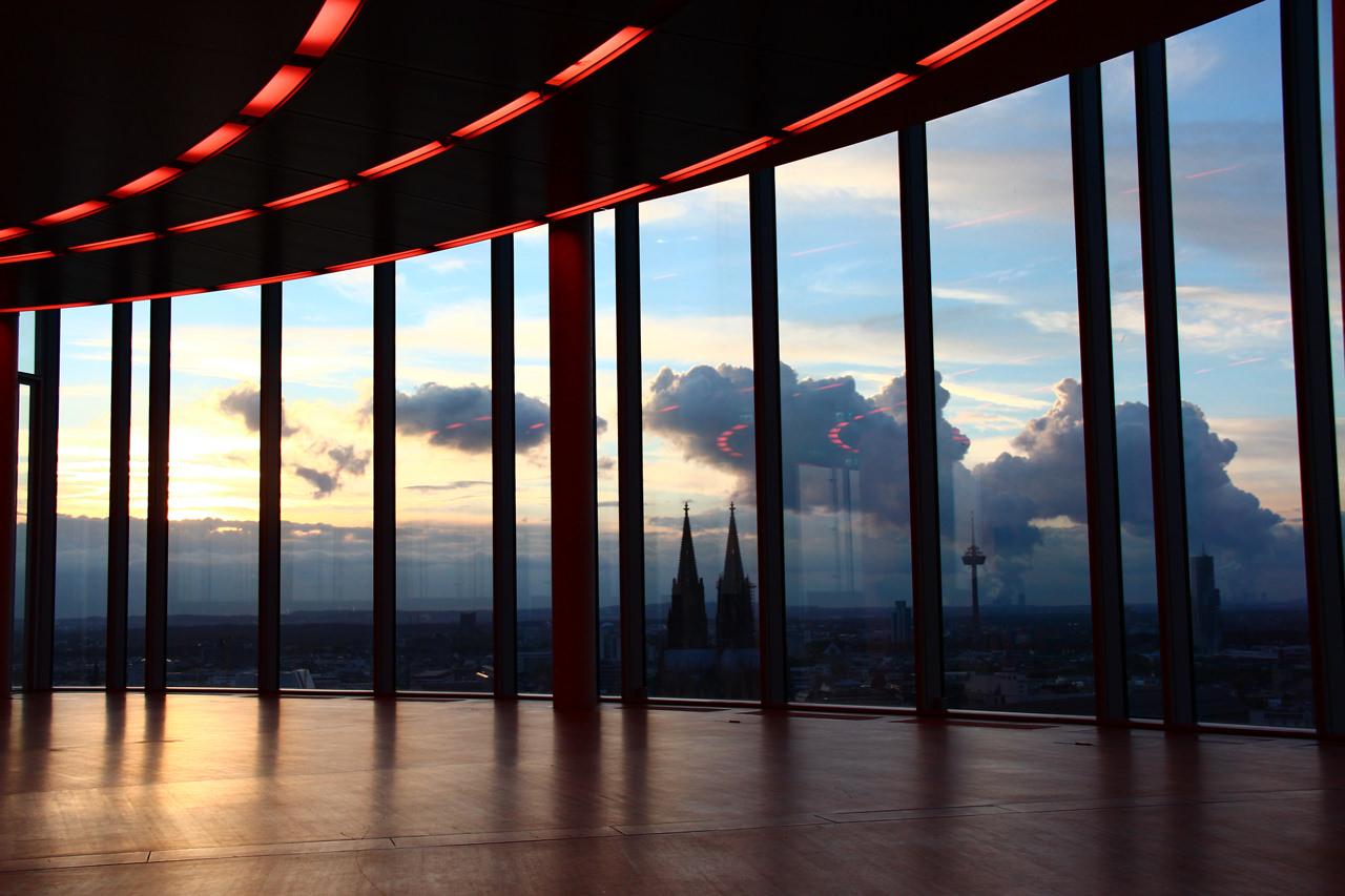 Tolle Wolken garnieren Köln. Foto: KölnSky