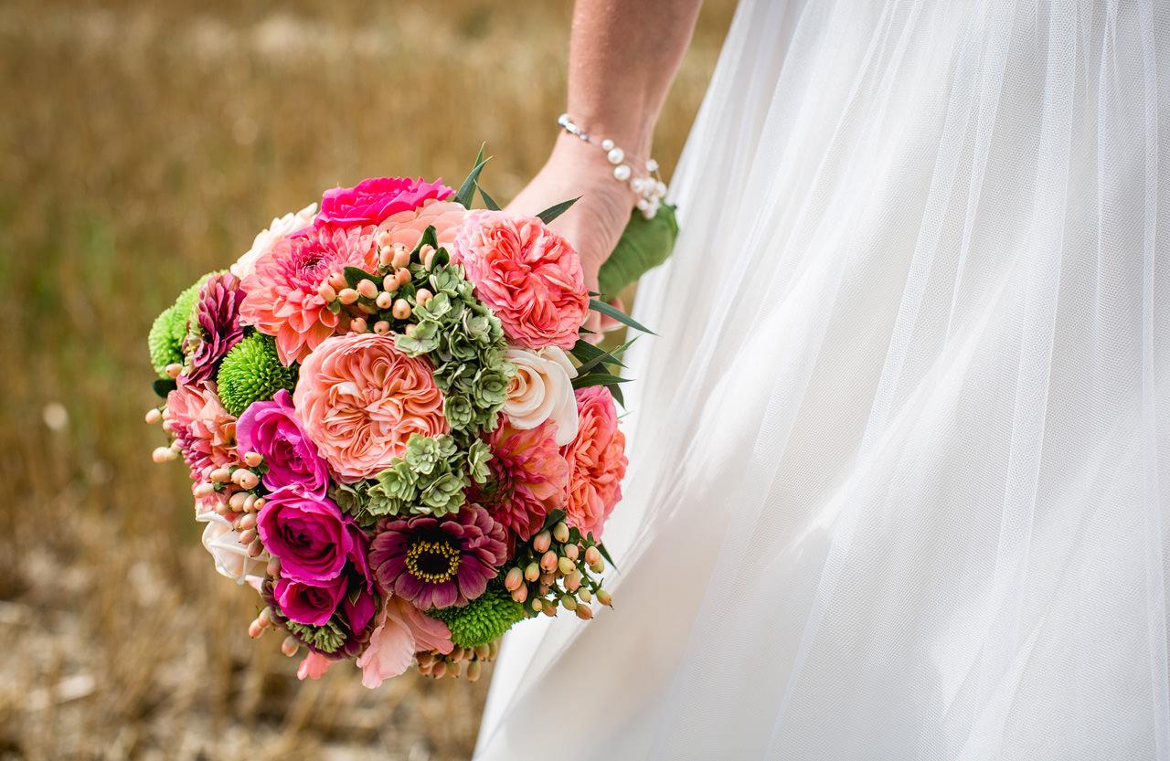 Brautstrauss in der Hand von Sandra