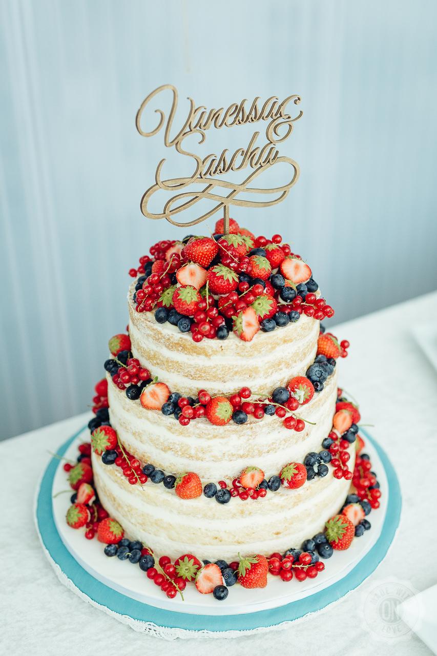 Hochzeitstorte mit leckerem Obst