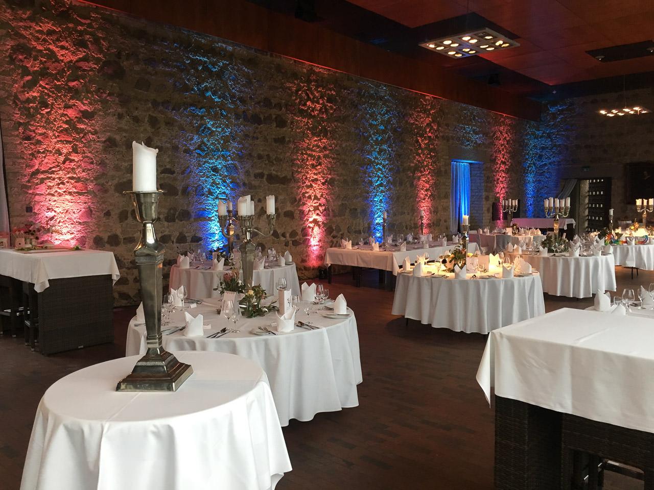 Rittersaal der Godesburg mit Ambiente-Beleuchtung