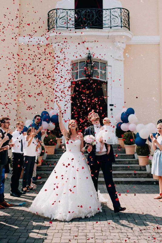 Barbara Malte Feiern Ihre Hochzeit Auf Schloss Miel Paul Van Groove